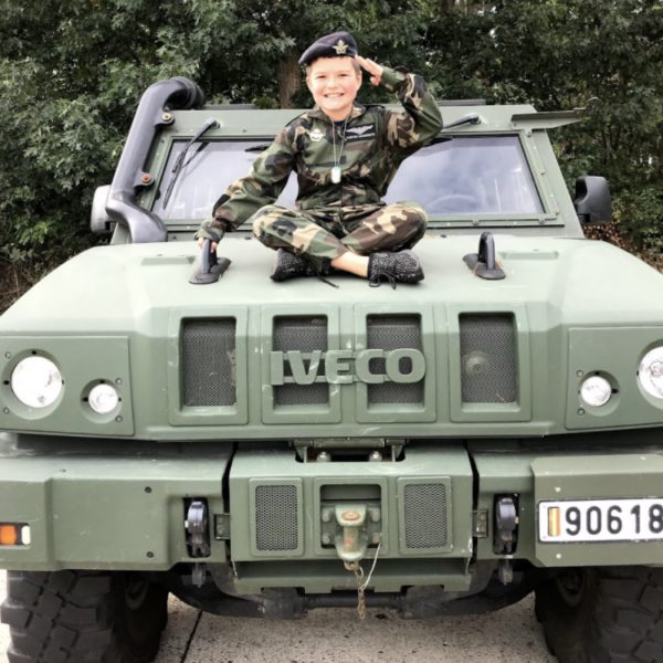 xm jeep staan